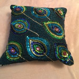 🎁 🦚Peacock 🦚 Feather Beaded Pillow